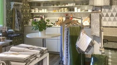 Kammaren i DGB Örsbäck med textilier, mattor, linoljesåpa och hushållsprodukter