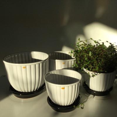 Blomkrukor från Nittsjö keramik.